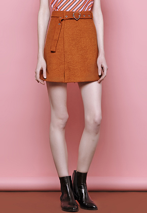 Margarin Fingers마가린핑거스 Heart Buckle Skirt Beige