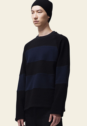 Trwa트와 REVERSE LONG SLEEVE T-SHIRT(BLACK)