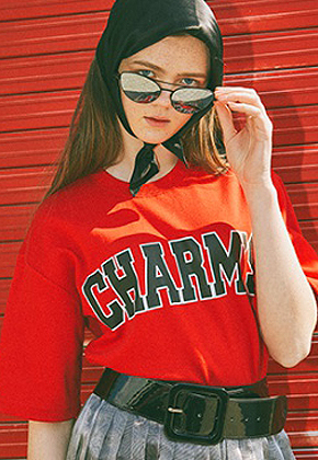 Charm's참스 Bold Logo T-Shirts Red