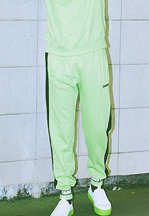Charm's참스 Bold Logo Sweatpants Yellow Green