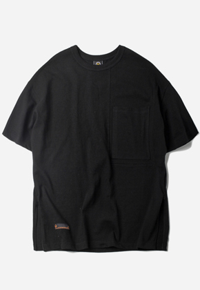 FRIZMWORKS프리즘웍스 Side Zipper Oversized Pocket T-Shirt Black