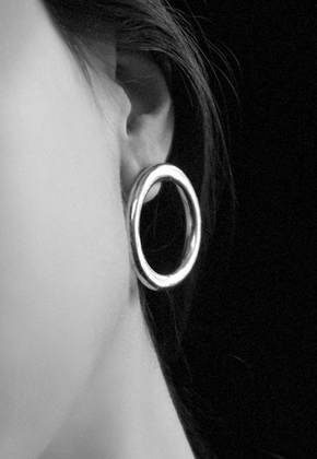 Common Muse커먼뮤즈 LIA CIRCLE EARRINGS SILVER