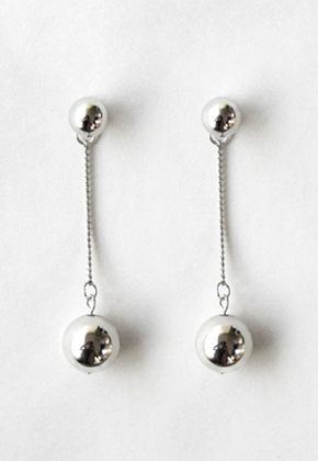 Common Muse커먼뮤즈 NELLE BALL EARRINGS SILVER