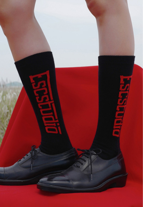 ESC Studio이에스씨스튜디오 black logo socks