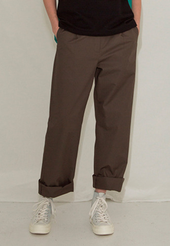 More or Less모어올레스 LONG STITCH COTTON PANTSKHAKI