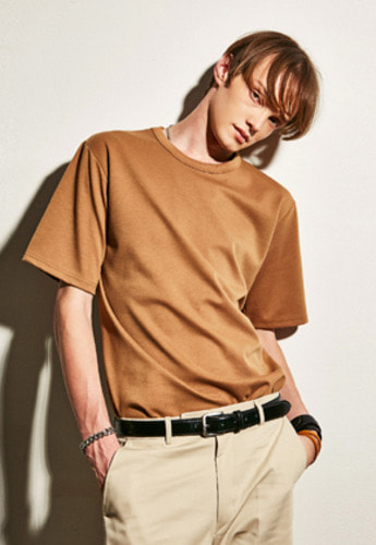 Yan13얀써틴 PORD SEMIOVER T-SHIRTS_BROWN