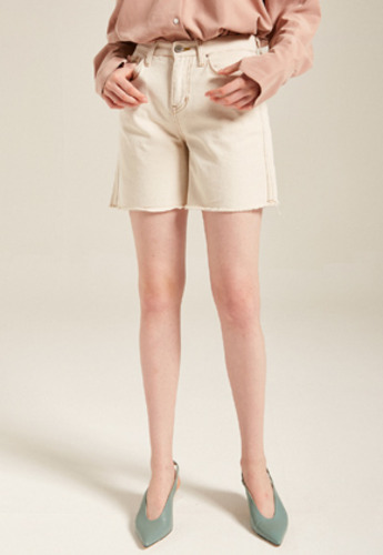 Yan13얀써틴 BUTTON CUTTING SHORTS_BEIGE