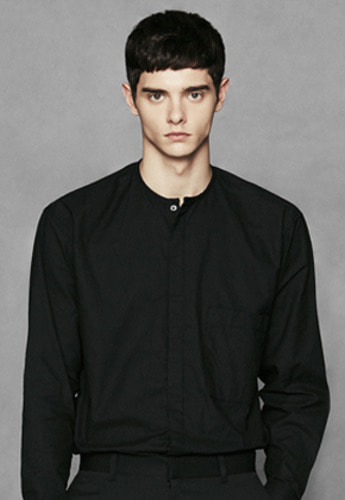 Voiebit브아빗 V411 HIDDEN ROUND POCKET SHIRTBLACK