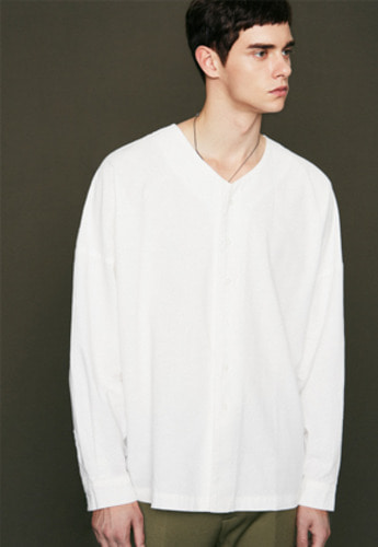 Voiebit브아빗 V412 V-NECK OVER SHIRTWHITE