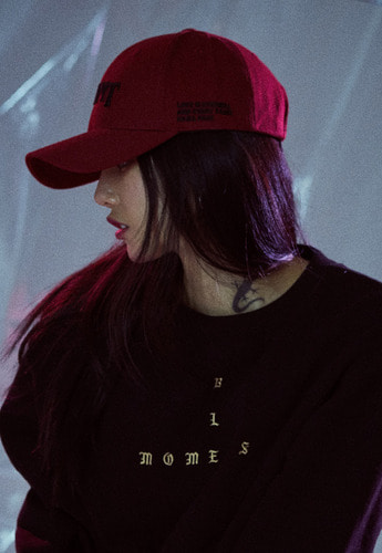 Momentbym모먼트바이엠 Saint six panel ball cap, Burgundy