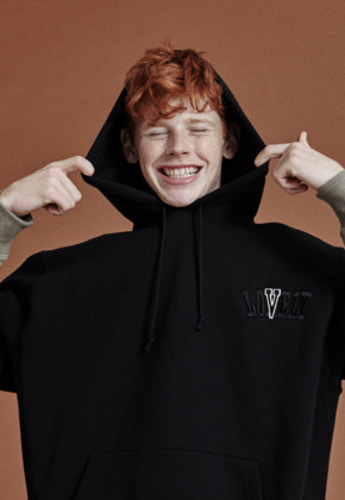 NOHANT노앙 LONELY/LOVELY CROPPED LOGO HOODIE BLACK
