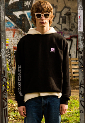 Anderssonbell앤더슨벨 UNISEX ARCHIVE PATCH SWEATSHIRT atb173u Black