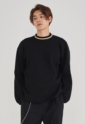 Voiebit브아빗 LLUD x VOIEBIT DOUBLE NECK SWEATER BLACK