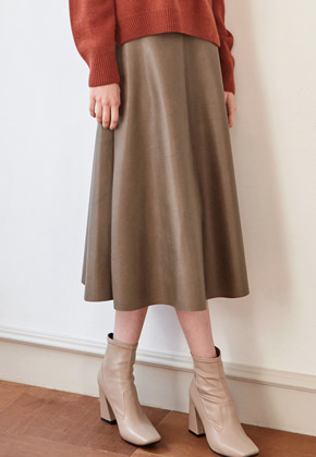 Yan13얀써틴 CLASSIC LEATHER SKIRTS_BEIGE