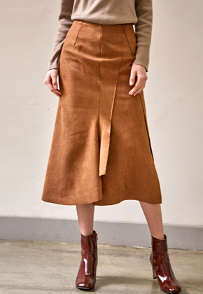 Yan13얀써틴 SUEDE UNBALANCE CUTTING SKIRTS_BROWN