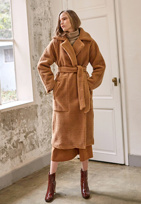 Yan13얀써틴 DUMBLE MUSTANG ROBE COAT_CAMEL
