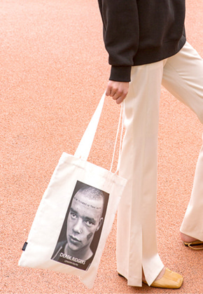 Anderssonbell앤더슨벨 DEREK RIDGERS COLLABORATION ECO BAG aaa055u White