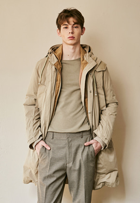 Yan13얀써틴 SEMISIZED HOODY DUCKDOWN JUMPER_BEIGE