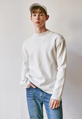 Yan13얀써틴 [헨리 착용]LAMSWOOL HALF TURTLE KNIT_WHITE