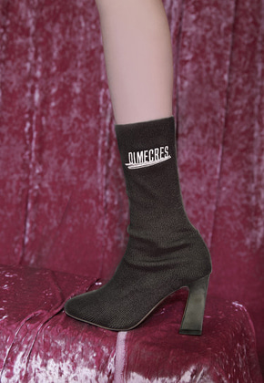 DIM.E.CRES.딤에크래스 EMBROIDERY KNIT HEEL BLACK
