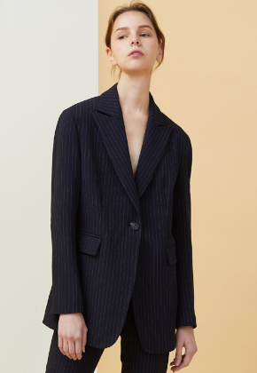 Millogrem밀로그램 Peaked Lapel Pinstriped Jacket_Dark Navy
