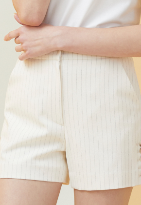 Millogrem밀로그램 Side Button Pinstriped Shorts_Ivory