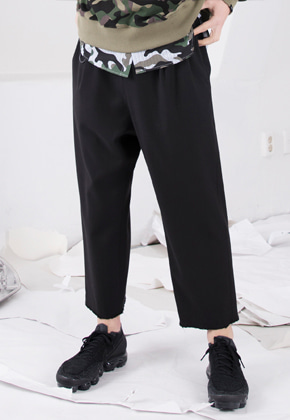 FROMMARK프롬마크 RELAXED WOOL CROP TROUSER Black