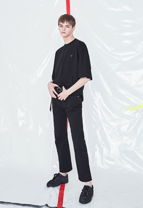 Voiebit브아빗 V221 EASY BOY FIT DENIM PANTS  BLACK