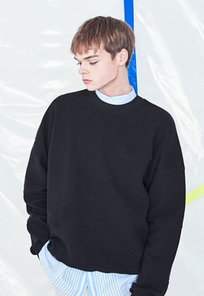 Voiebit브아빗 V322 CUTTING LINE SWEATSHIRT  BLACK