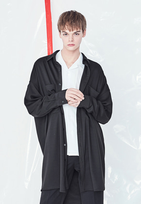 Voiebit브아빗 V423 SMOOTH OVERSIZE LONG SHIRT  BLACK
