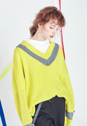 Voiebit브아빗 V531 DOUBLE V-NECK KNIT  LIME