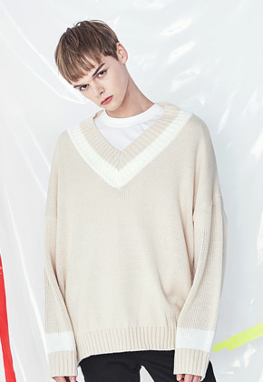 Voiebit브아빗 [양요섭 착용] V531 DOUBLE V-NECK KNIT  BEIGE