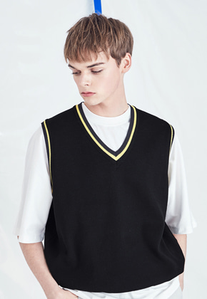 Voiebit브아빗 V532 LINE V-NECK KNIT VEST  BLACK