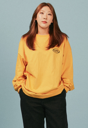 A Piece Of Cake어피스오브케이크 Oval Logo Longsleeved T-shirts_Yellow