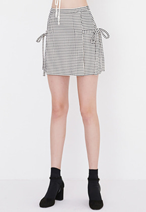 Margarin Fingers마가린핑거스 [박보영 착용]MINI SQUARE SKIRT (BLACK)