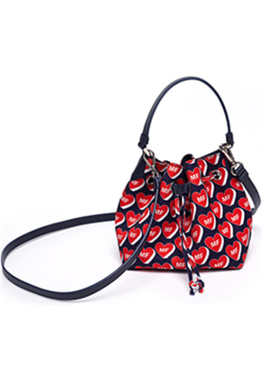 Margarin Fingers마가린핑거스 HEART BUCKET BAG