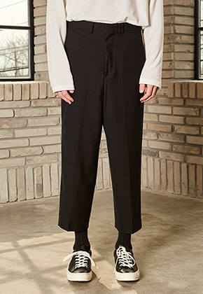 Yan13얀써틴 SOLID LINE WIDE SLACKS_BLACK