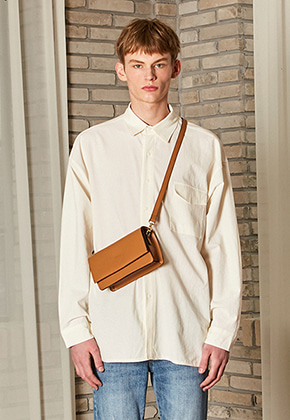 Yan13얀써틴 OVERSIZE POCKET SHIRTS_IVORY
