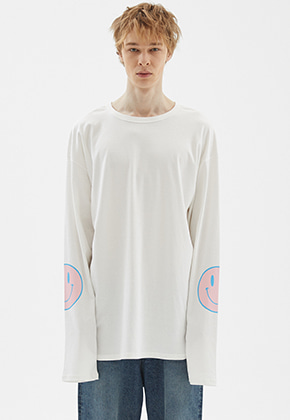 INDIGO CHILDREN인디고칠드런 OVERSIZED SMILE LONG SLEEVE	[OFF WHITE]