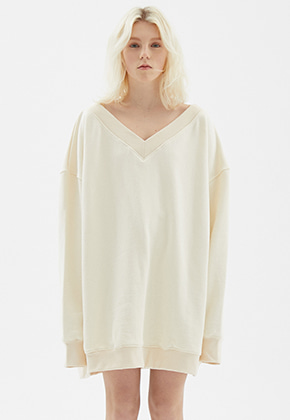INDIGO CHILDREN인디고칠드런 OVERSIZED DEEP V-NECK MTM [IVORY]