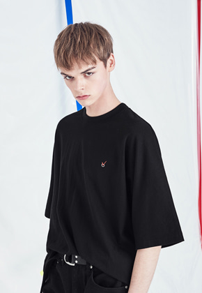 Voiebit브아빗 V324 CHECK POINT HALF-TEE  BLACK