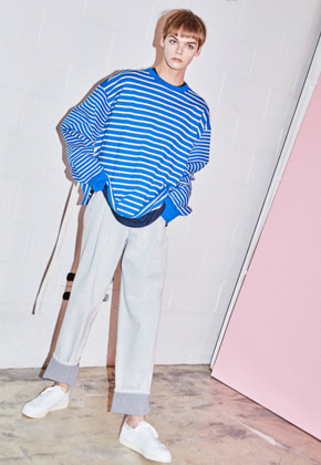 NOHANT노앙  REAR-OPENING PROCESS SWEATSHIRT STRIPE-BLUE