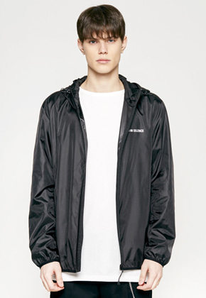 Insilence인사일런스 REFLECTIVE LOGO WINDBREAKER black