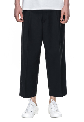 Reve De Agneau레브드앙뉴 CROP WIDE PANTS(BLACK)