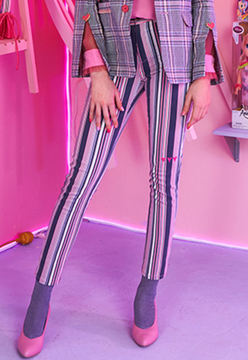 VVV브이브이브이 VVV LOVE VUI PINK STRIPE DENIM PANTS