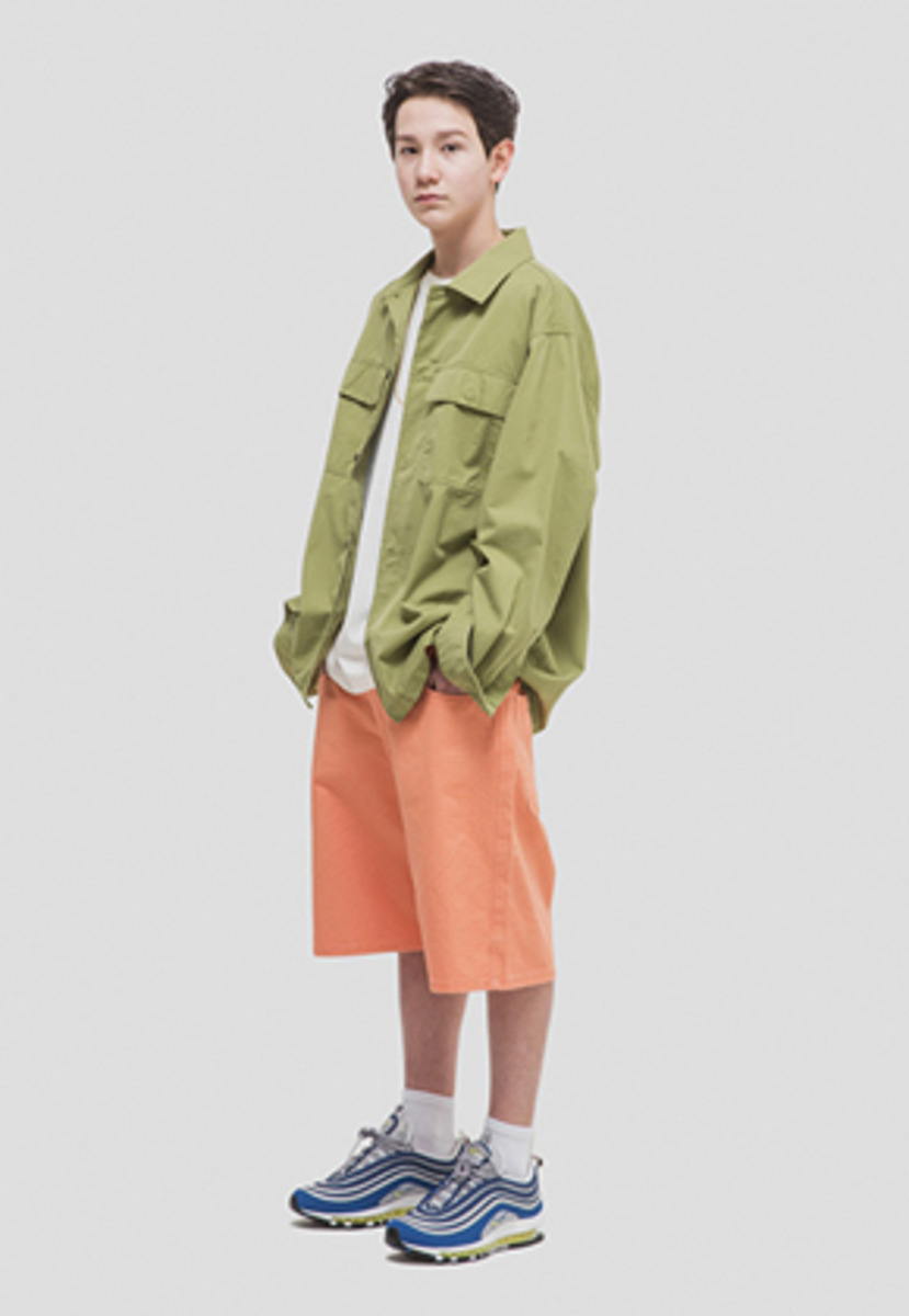WKNDRS위캔더스 OVERSIZED CHINO SHORTS (CHORAL)