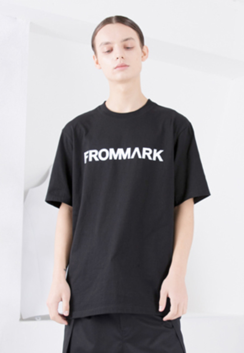 FROMMARK프롬마크 LOGO T-SHIRTS BLACK