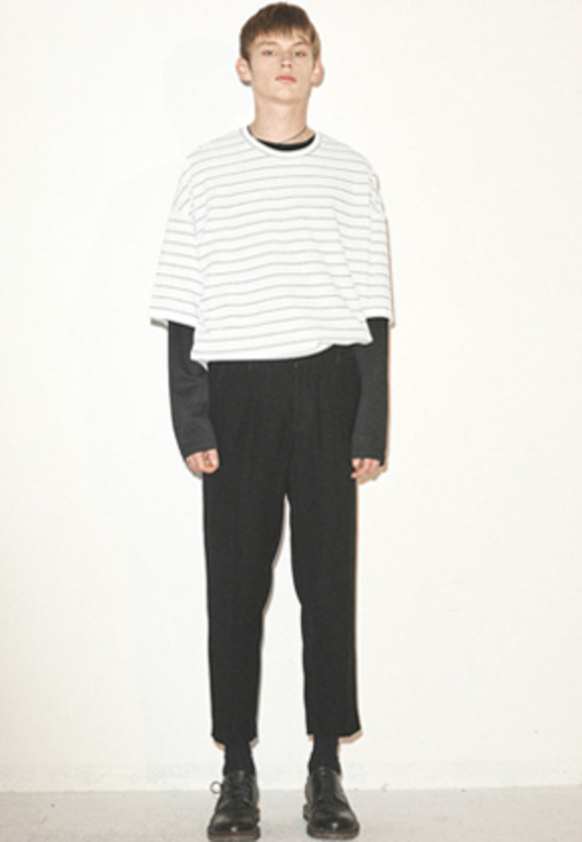 Haleine알렌느  WHITE stripe oversized 1/2 t-shirts(FT023)