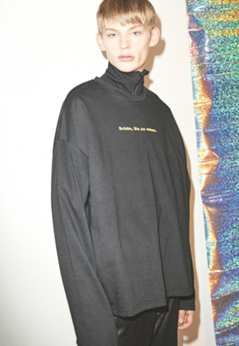 Haleine알렌느 BLACK slogun longsleeve(FT011)