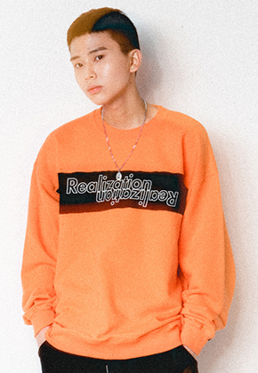 Realization리얼라이제이션 Lettering Logo Crewneck[ORANGE]